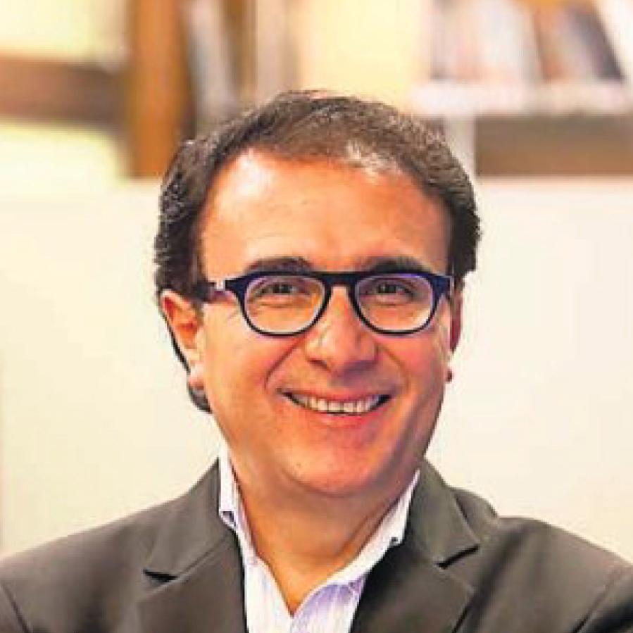 Dr. Fernando Molina